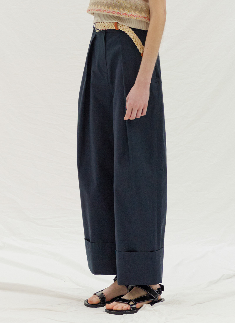 ROLL UP TUCK PANTS - NAVY
