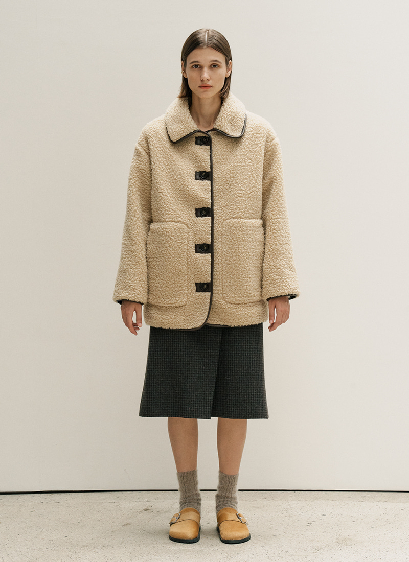 (BR 12/2 ,BG 12/11 예약배송)OVERFIT BUTTON POINT FUR COAT  - BG,BR