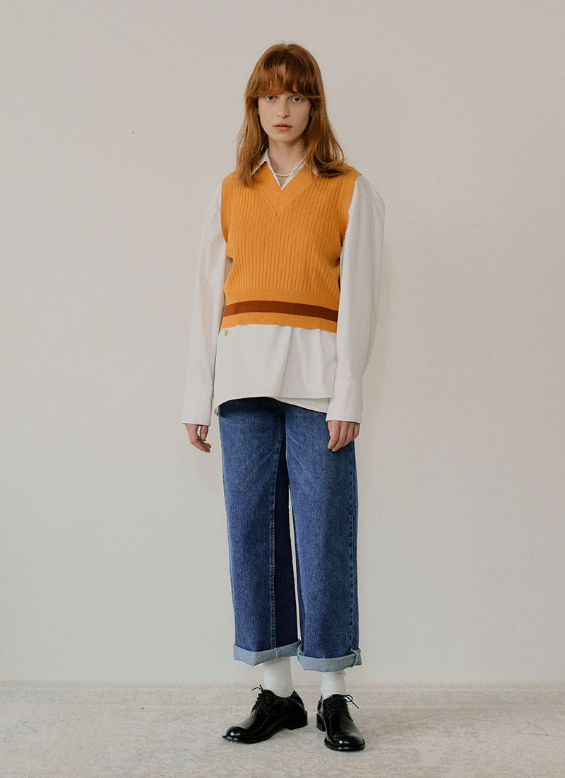 LINE POINT KNIT VEST - YELLOW