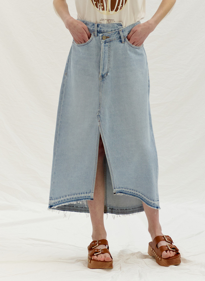 UNBALANCE SLIT DENIM SKIRT - BLUE